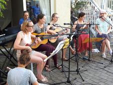 Ukulelen- & Gitarrengruppe