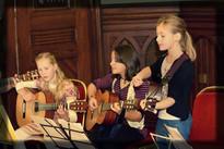 Kindergitarrengruppe