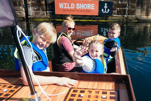 Wild-Shore-Liverpool-mini-port-boats-alb