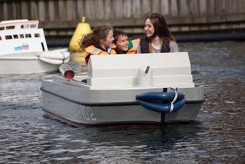 minipor-boat.jpg