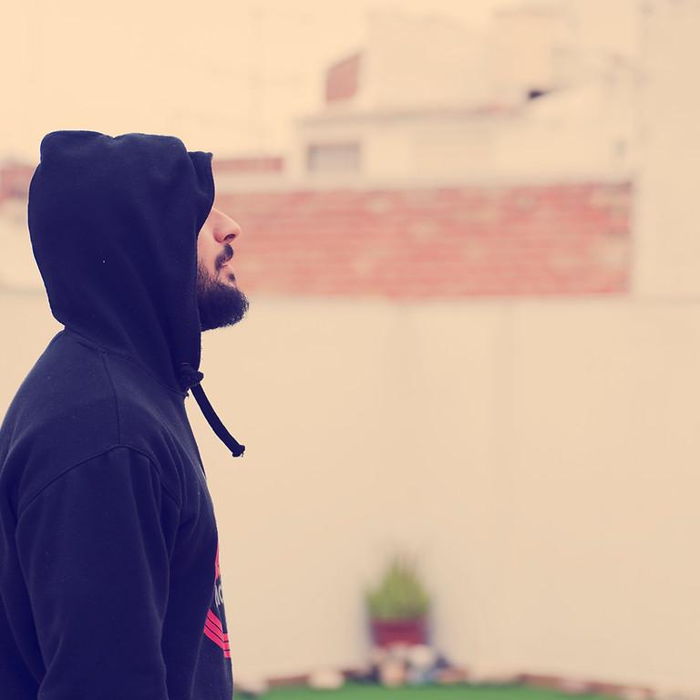 ZIp up hoodie (XL)