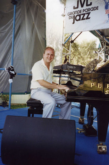 Performing at Nice Jazz Festival 1992_s.
