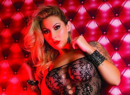 Modelo Alana Voguell vem a São Paulo para realização de sonho, posar para Revista Sexy
