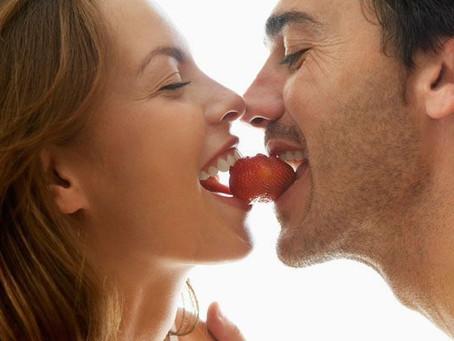 18 alimentos afrodisíacos que ajudam a apimentar a relação