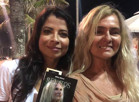 Famosos prestigiam lançamento do primeiro livro da autora BRita BRazil