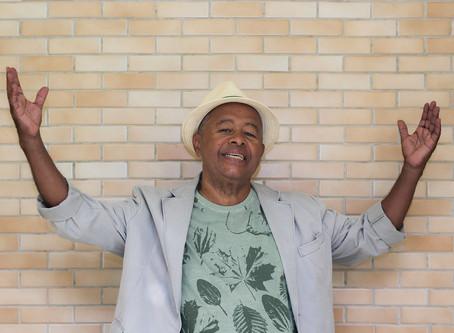 Tiãozinho da Mocidade faz show em comemoração aos seus 70 anos de vida