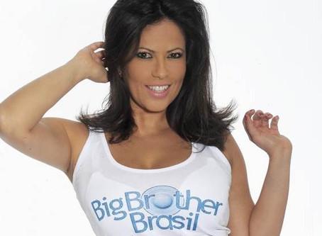 """Brasileira do Big Brother Itália critica participantes do BBB 19 """"Estereótipos fracos e repetid"""