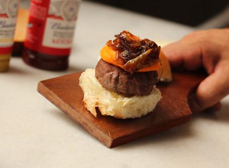 Festival do hambúrguer é a nova atração do Restaurante Celeiro da Fazenda