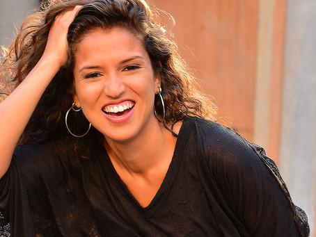 Ex-The Voice Luciana Balby é a atração do Happy Hour do Bangu Shopping nesta quinta-feira
