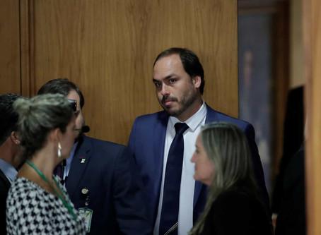 Bolsonaro diz que seguirá ouvindo sugestões do filho