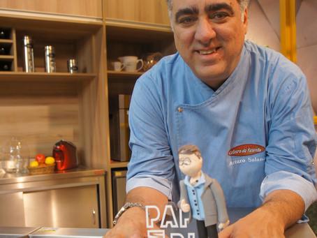 Chef Arturo Salano comanda a cozinha do novo reality na Rede Brasil de Televisão
