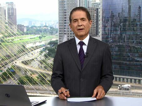 Em bloco de SP, Carlos Tramontina brinca com erro das 'seis e ônibus'