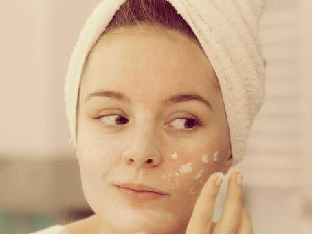 Sobreposição de cosméticos: saiba a ordem correta de aplicação