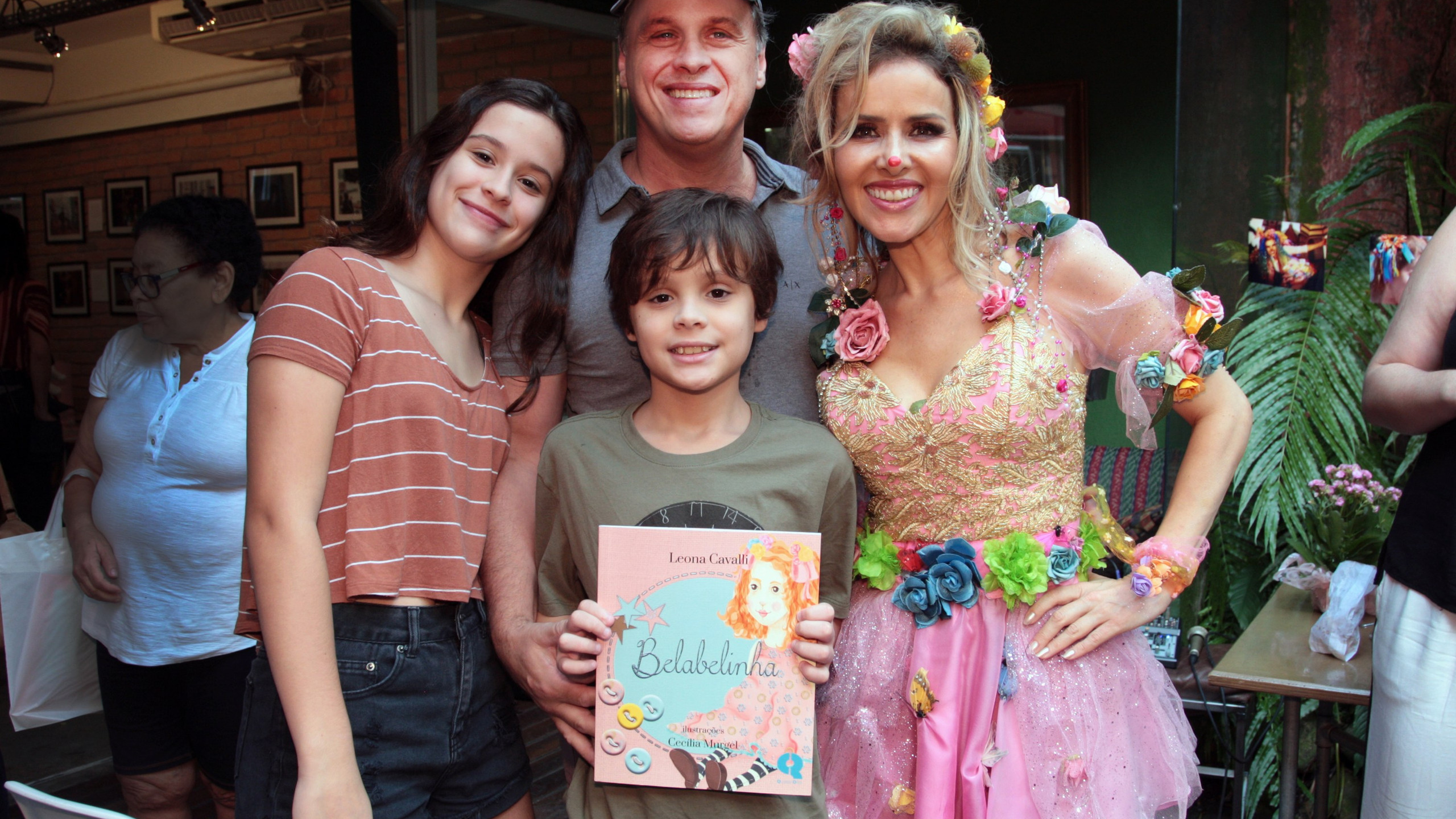 Guilherme Fontes(filhos),Carolia e Carlos e Leona Cavalli