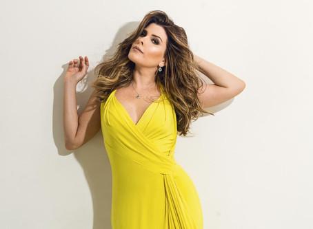 Após estreia de sucesso no Rio de Janeiro, Nádia Figueiredo leva show de seu primeiro CD, 'Meu Idiom