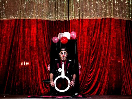 """""""É Dia de Circo"""" Brinquedos infláveis e distribuição de pipocas completam a diversão dos p"""