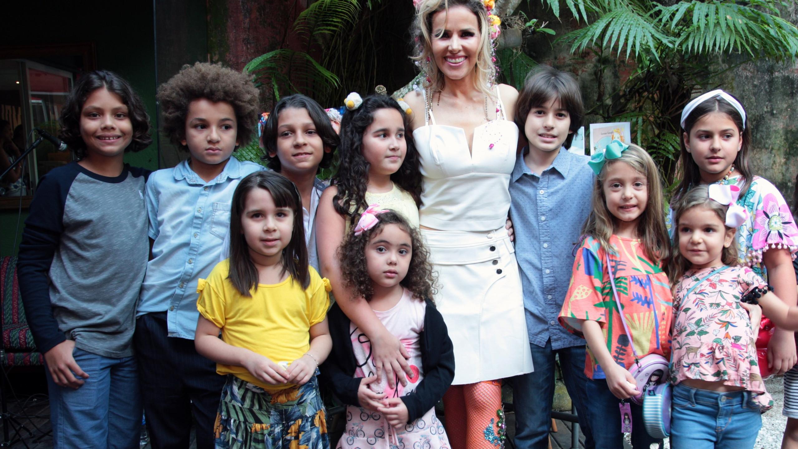 Leona_Cavalli_e_as_Crianças