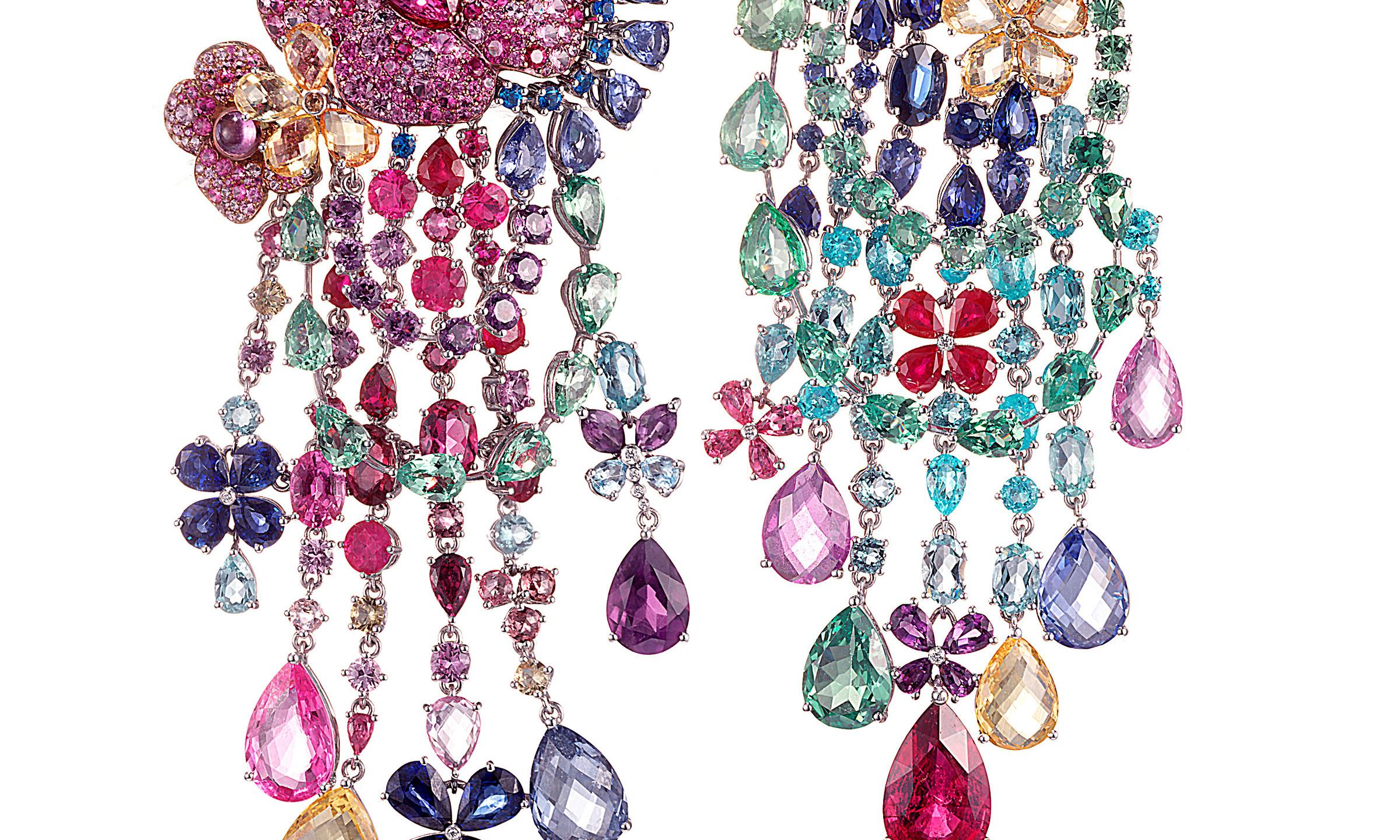 RIHANNA-LOVES-CHOPARD-Haute-Joaillerie-collection-earrings-1