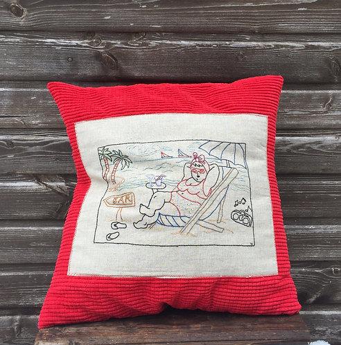 """Подушка с вышивкой """"Пляж"""""""