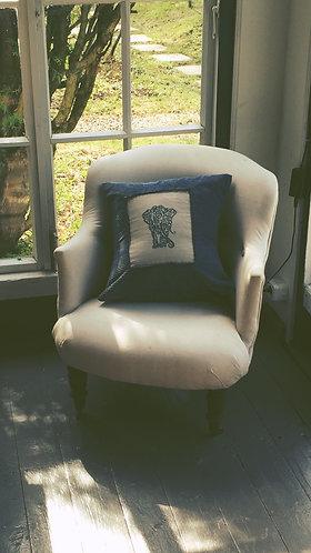"""Подушка с ручной вышивкой """"Индийский слон"""""""