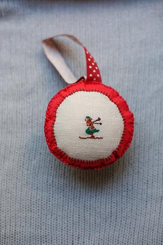 """Елочная игрушка с ручной вышивкой """"Лыжница"""""""
