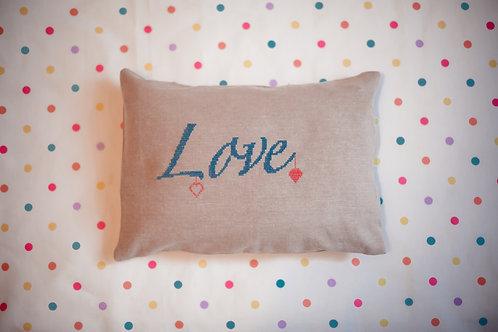 "Можжевеловая подушка ""Love"""