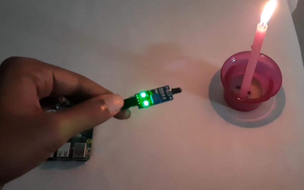 Fire detector using Raspberry Pi