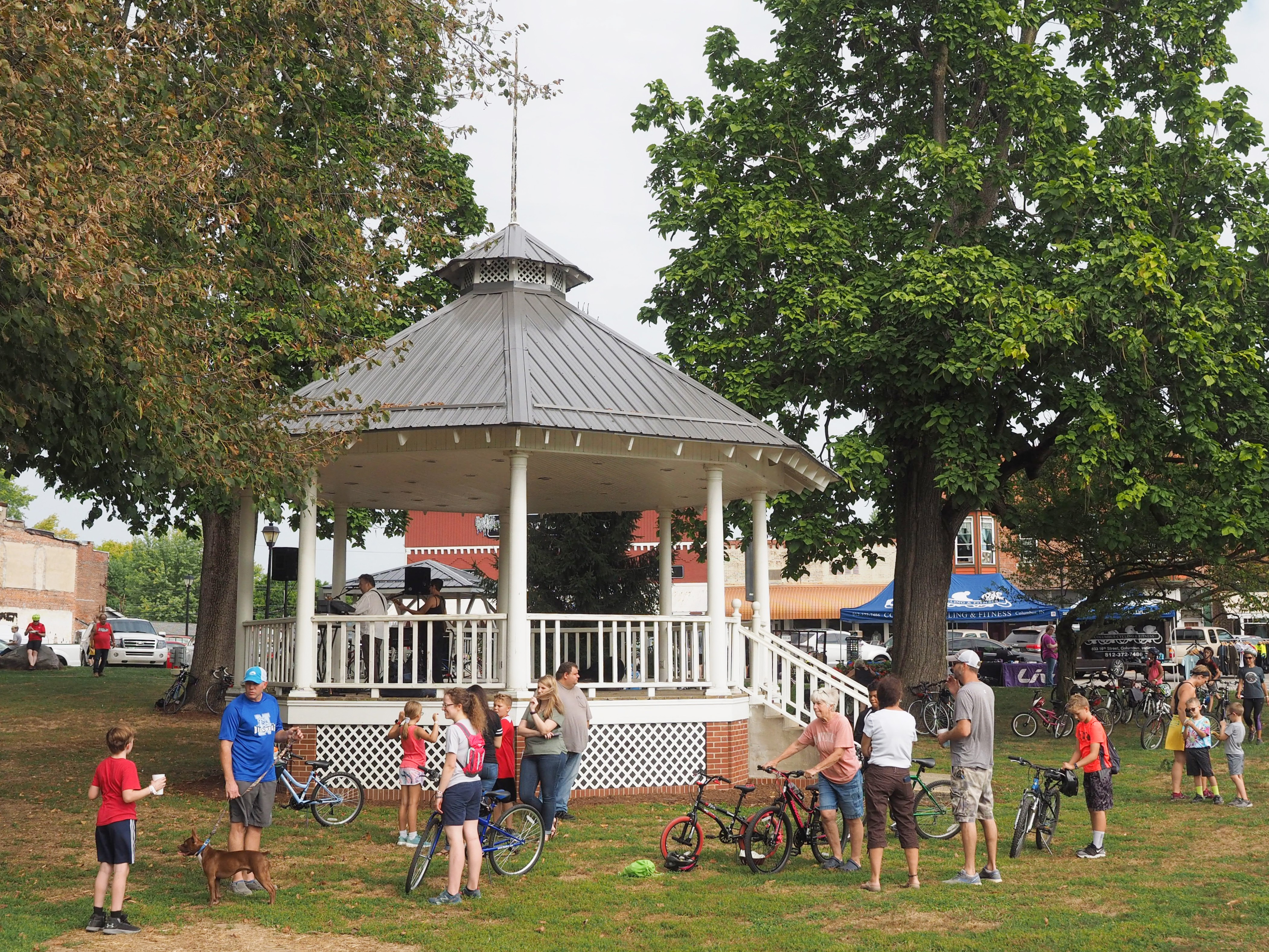 Amish Roofers bandstand 1