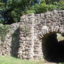 grotte-schlosspark-ludwigslust-1.jpg
