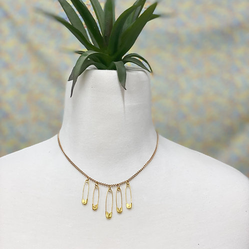 safety pin drop necklace