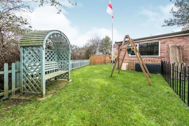 Garden fence replacement