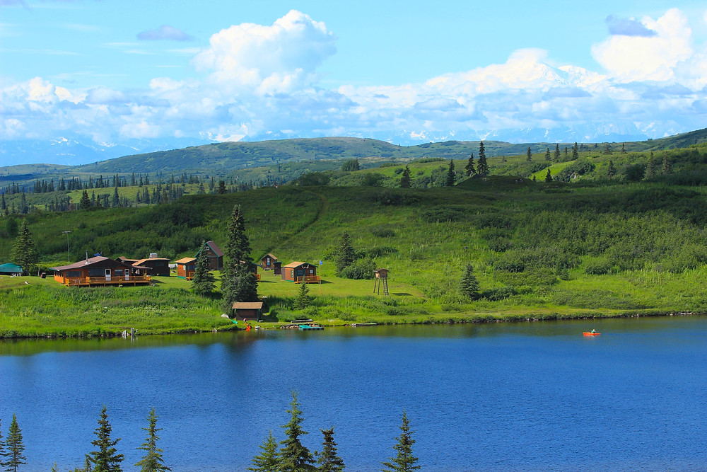 Fly in from Talkeetna, Alaska and enjoy the peace and quiet surrounding Caribou Lodge