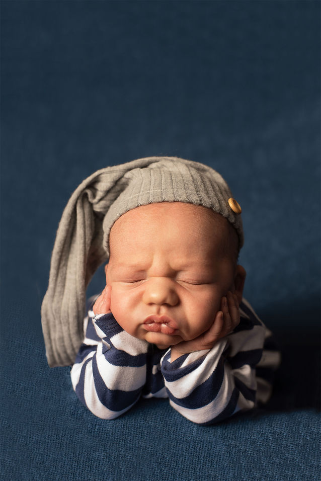 Newborn in froggy pose