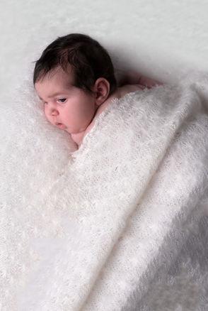 Simple and natural newborn poses