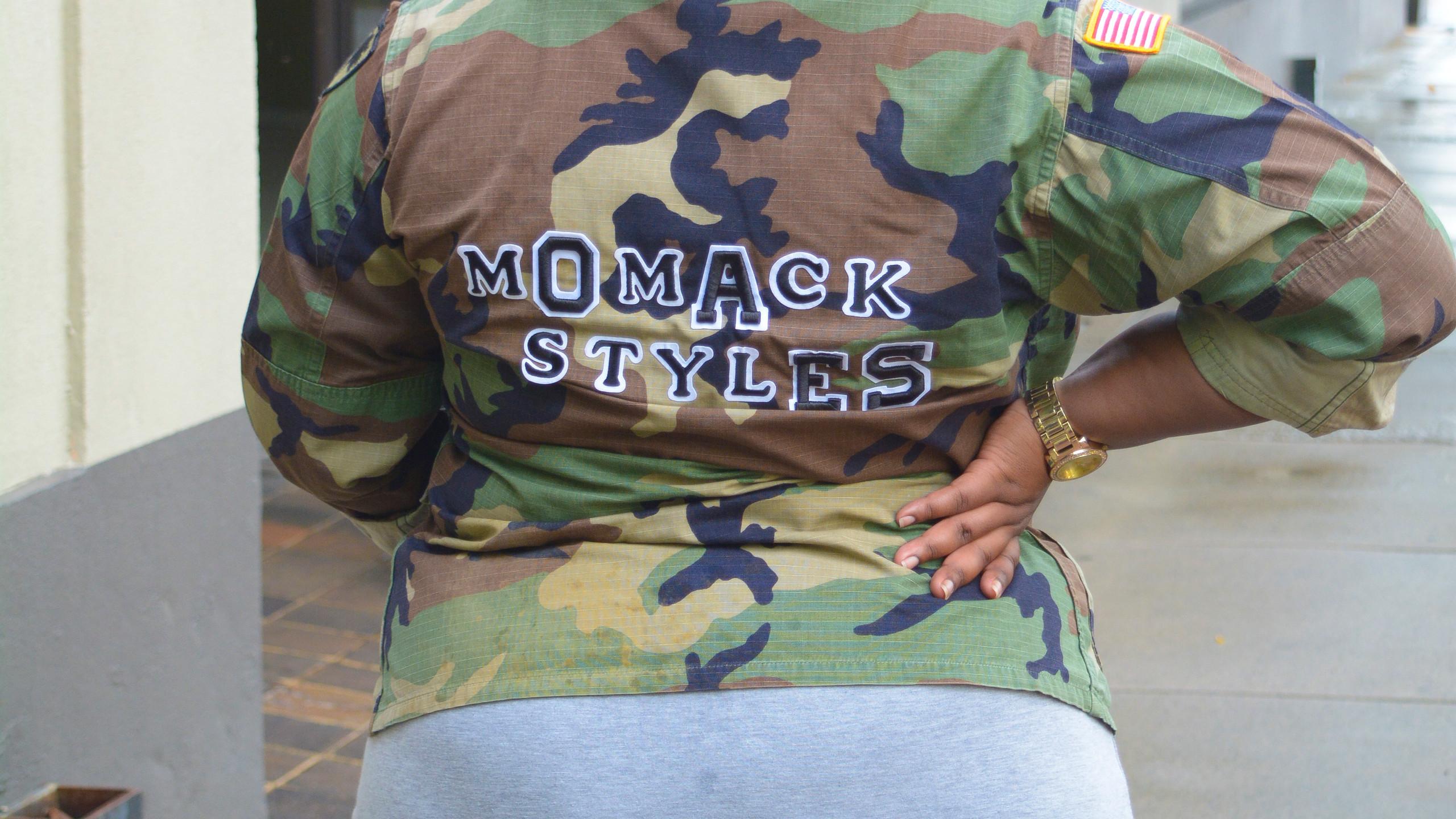 MOMACK1_81