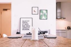 Plakate an der Wand