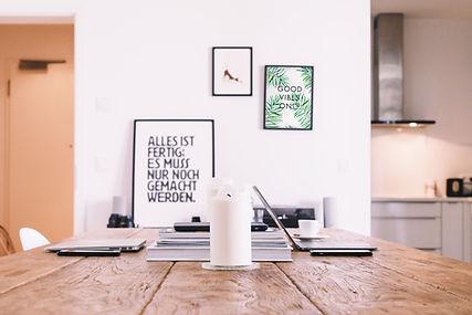 Plakater på veggen