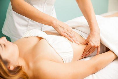 Lymphatic-Drainage-Massage-therapist-tam