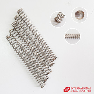 Compression Spring Material: stainless steel Wire diameter: 0.05 in Outer diameter: 0.55 in Inner diameter: 0.45 in Pitch: 0.20 in Free length: 4.00 in