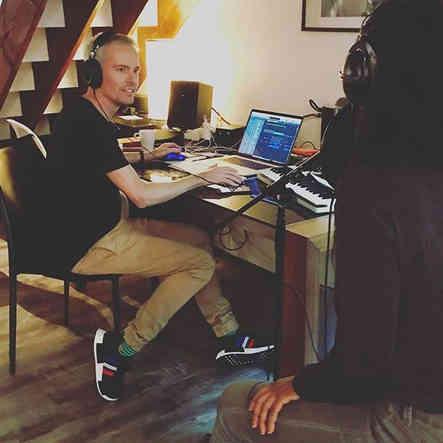 🇺🇸🎶🎹🎤Airbnb studio session LA #song