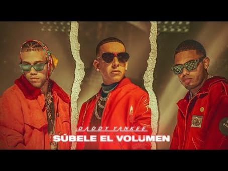 """""""Súbele El Volumen"""" a la nueva canción de Daddy Yankee, Mike Towers y Jhay Cortez."""