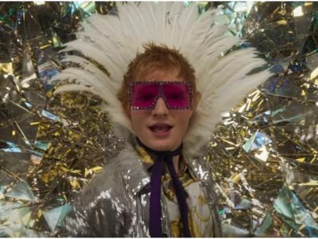 "Ed Sheran estrena ""Shivers"" en donde rinde homenaje a Elton John."