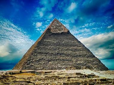 pyramid-2301471__340.webp