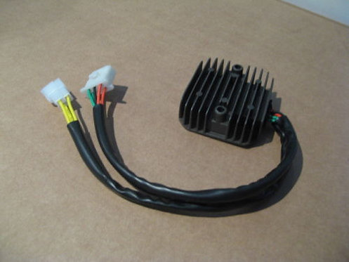Régulateur NEUF pour Honda 600 XLL - XLM - XLLM - PD04
