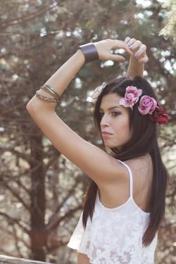 Nunzia_hippy_girl_flowers_crown-1