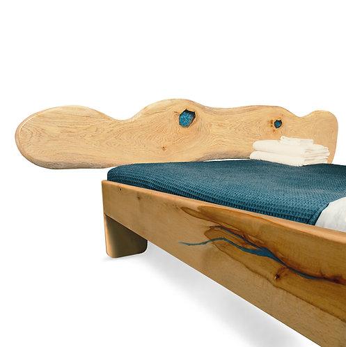 Živicová posteľ s oblými hranami