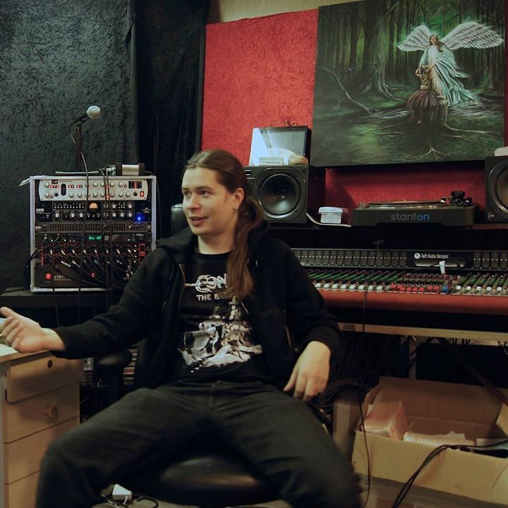 Saarni Studio B 1. vuosi