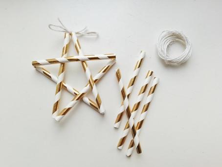 Karácsonyi dekoráció szívószálból