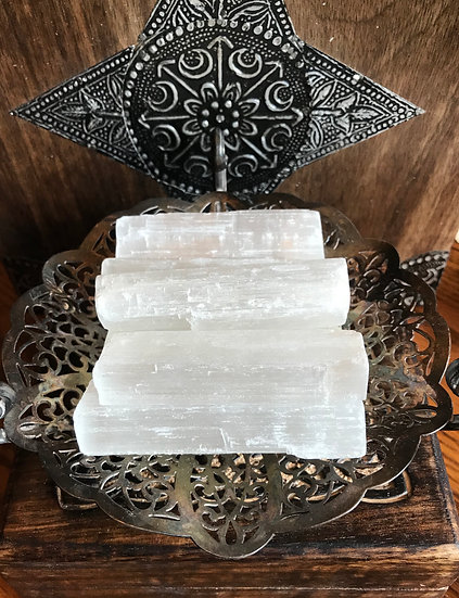 Selenite  ~Clarity~Feminine~Light~Charging~Clearing