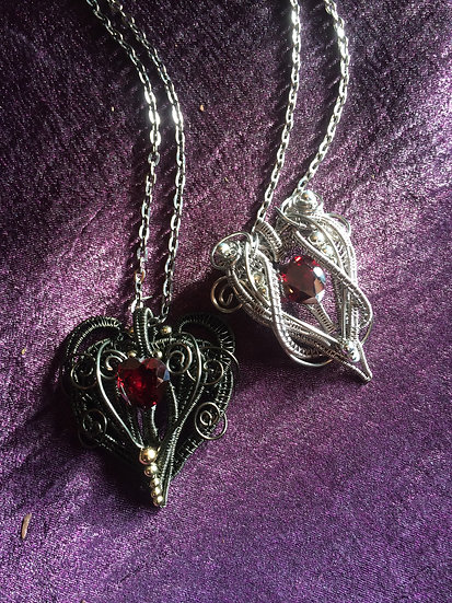 Cubic Zirconia in Twisted Wire ~Heart~